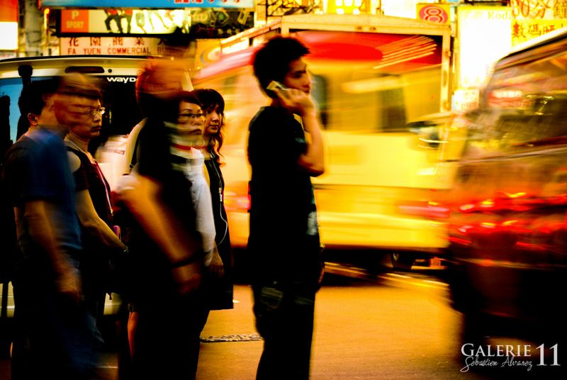 HONG KONG_PHONE MEN_