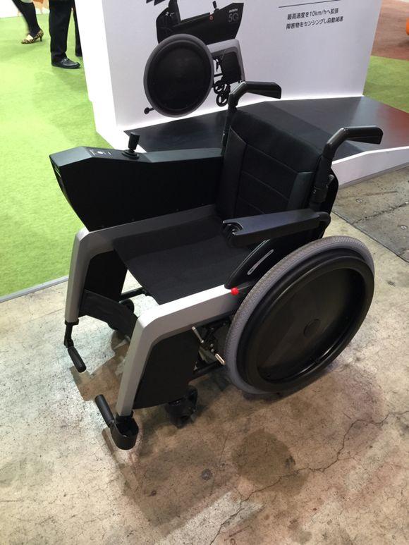 Ceatec J1 : le fauteuil roulant intelligent